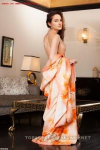 beautiful shailene woodley naked posing boobs & tits fake 002