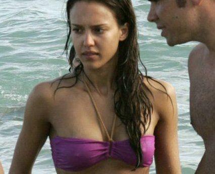 Jessica alba wet in sexy bikini