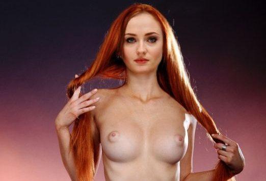 Turner naked sophie Maisie Williams