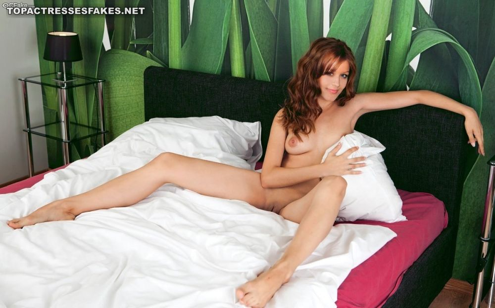 lindy booth hot nude 002