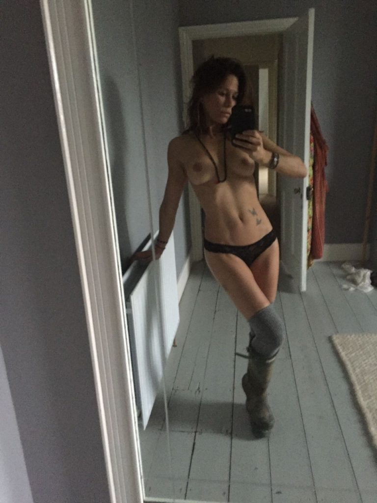 rhona mitra nude hacked personal pictures leaked 006