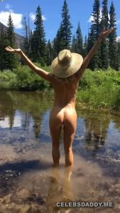 sara jean underwood nude butt and boobs snaps 009
