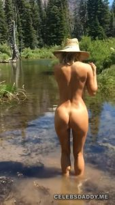 sara jean underwood nude butt and boobs snaps 010