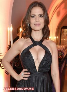 hayley atwell big boobs 005