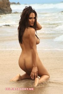 leeann tweeden nude photoshoot outdoor 004