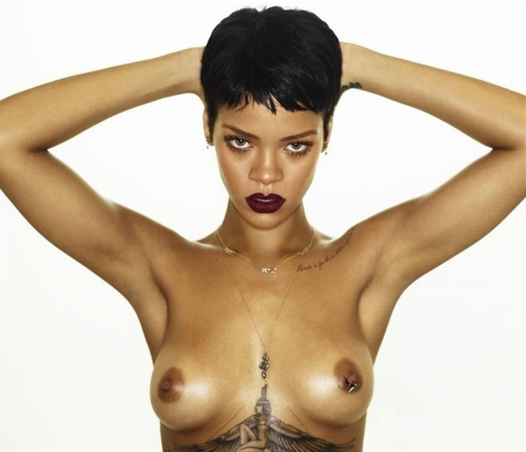 rihanna nude photos exposing sexy boobs