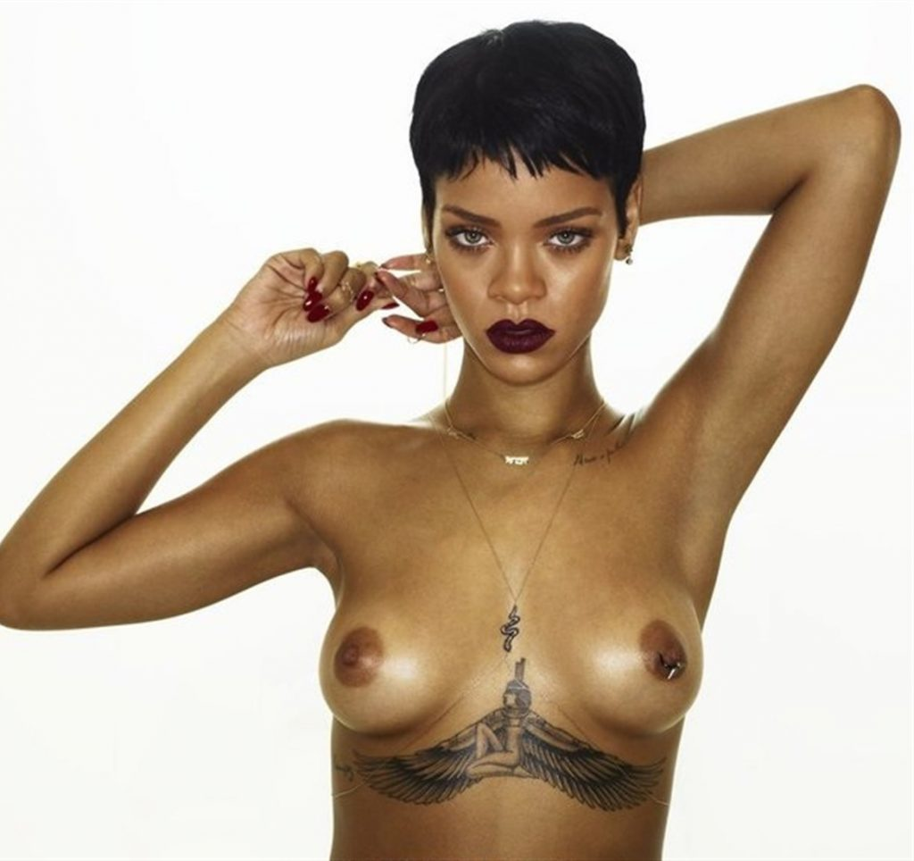 rihanna nude photos exposing sexy boobs 2