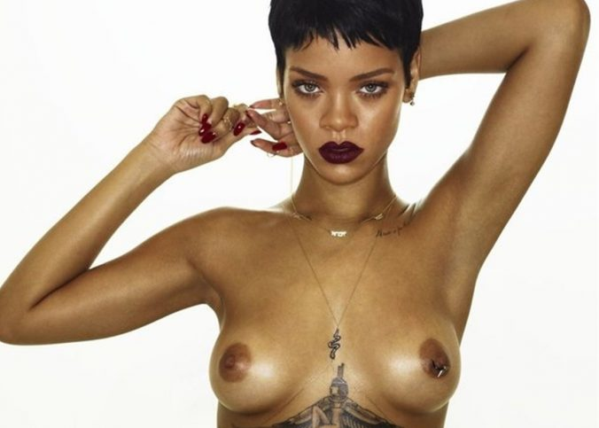 rihanna nude photos exposing sexy boobs 2