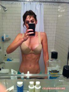 lizzy caplan nude leaked photos 002