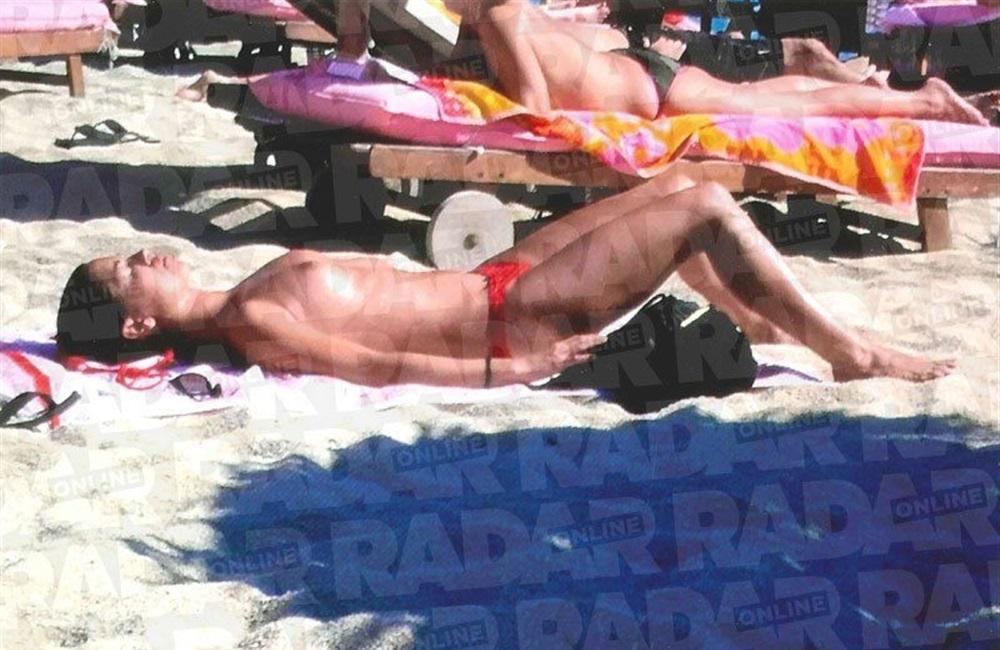 meghan markle nude beach