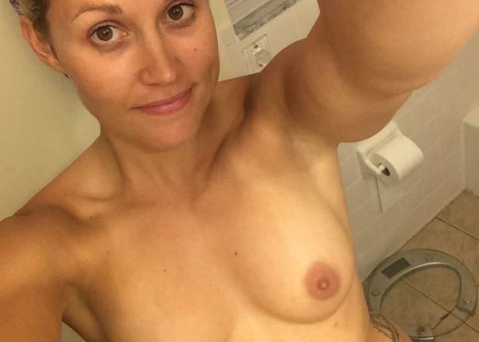 cheerleader kymberli nance nude and blowjob leaked photos 008
