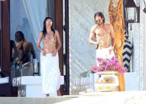 heidi klum topless candids with boyfriend 003