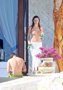 heidi klum topless candids with boyfriend 007