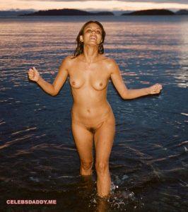 nathalie kelley nude outdoor photos 002