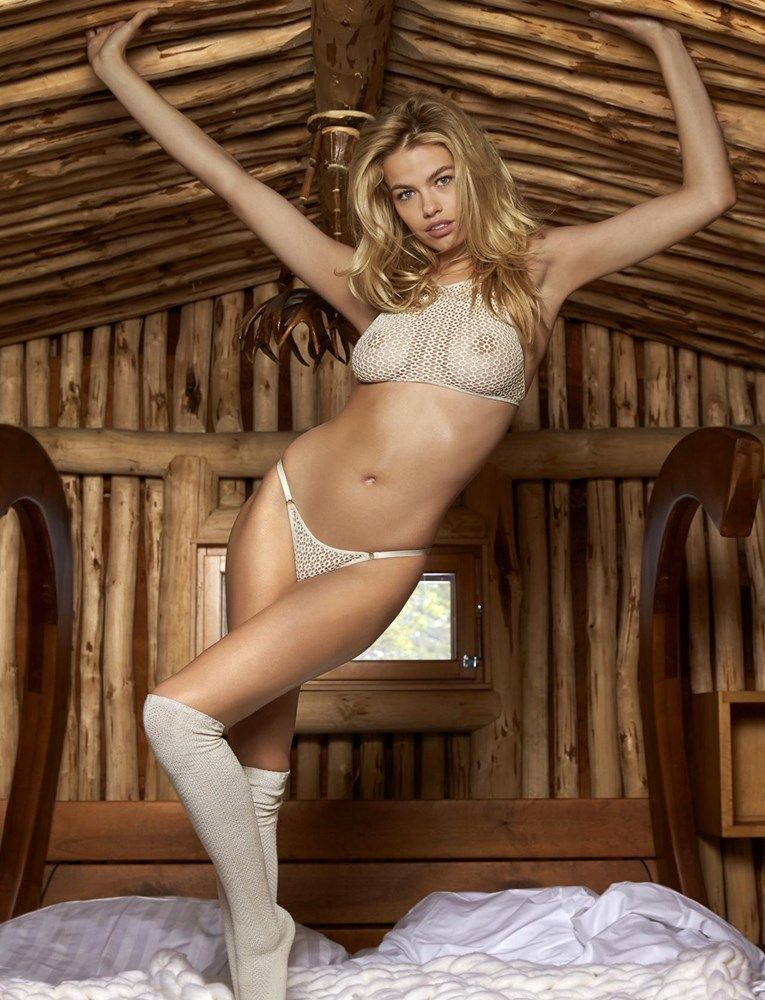 hailey clauson nude photoshoot for si magazine 001