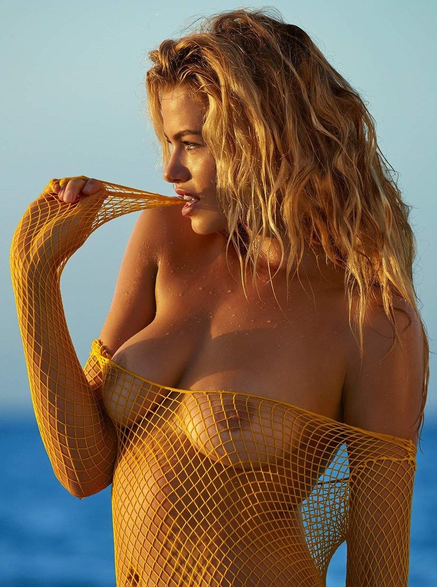 hailey clauson nude photoshoot for si magazine 002