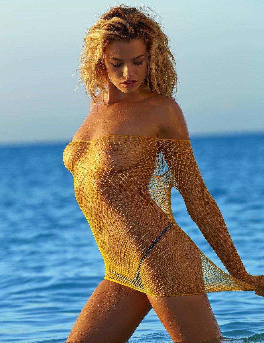 hailey clauson nude photoshoot for si magazine 003
