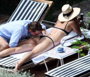 maria sharapova caught being kinky in public 004