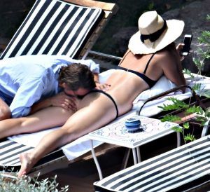 maria sharapova caught being kinky in public 005