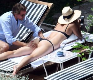 maria sharapova caught being kinky in public 006