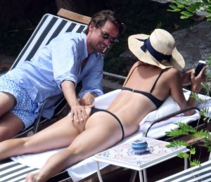maria sharapova caught being kinky in public 007