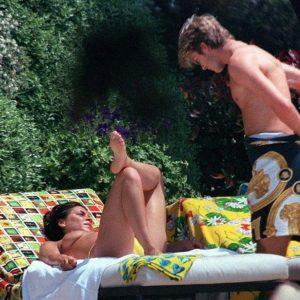 victoria beckham topless boobs sunbathing candids
