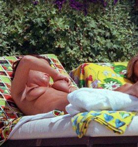 victoria beckham topless boobs sunbathing candids 002