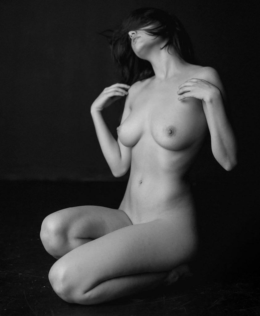 Maisie Williams Nude Celebrities