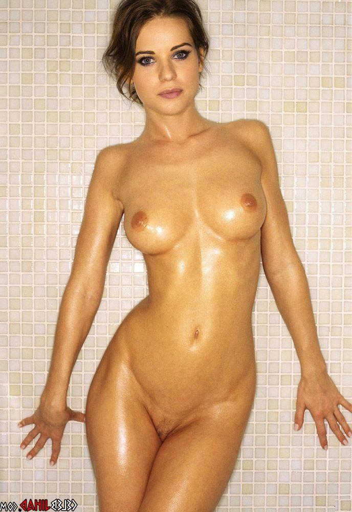 lyndsy fonseca nude hd photos 002