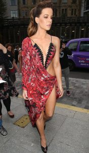 kate beckinsale arrives half naked