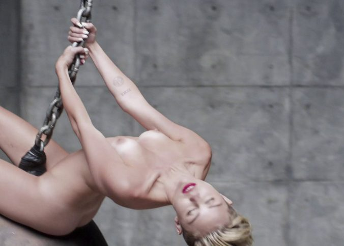 miley cyrus nude wrecking ball outtake3