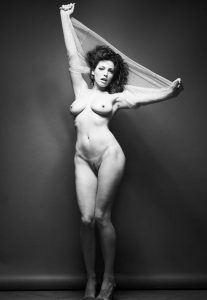 kelly brook nude full frontal photos