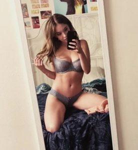 sydney sweeney nude leaked selfies 006