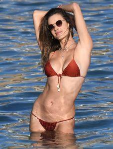 alessandra ambrosio bikini pictures 006