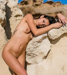 carla guetta nude 013