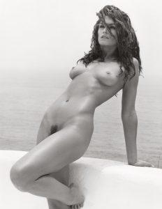 cindy crawford nude 001