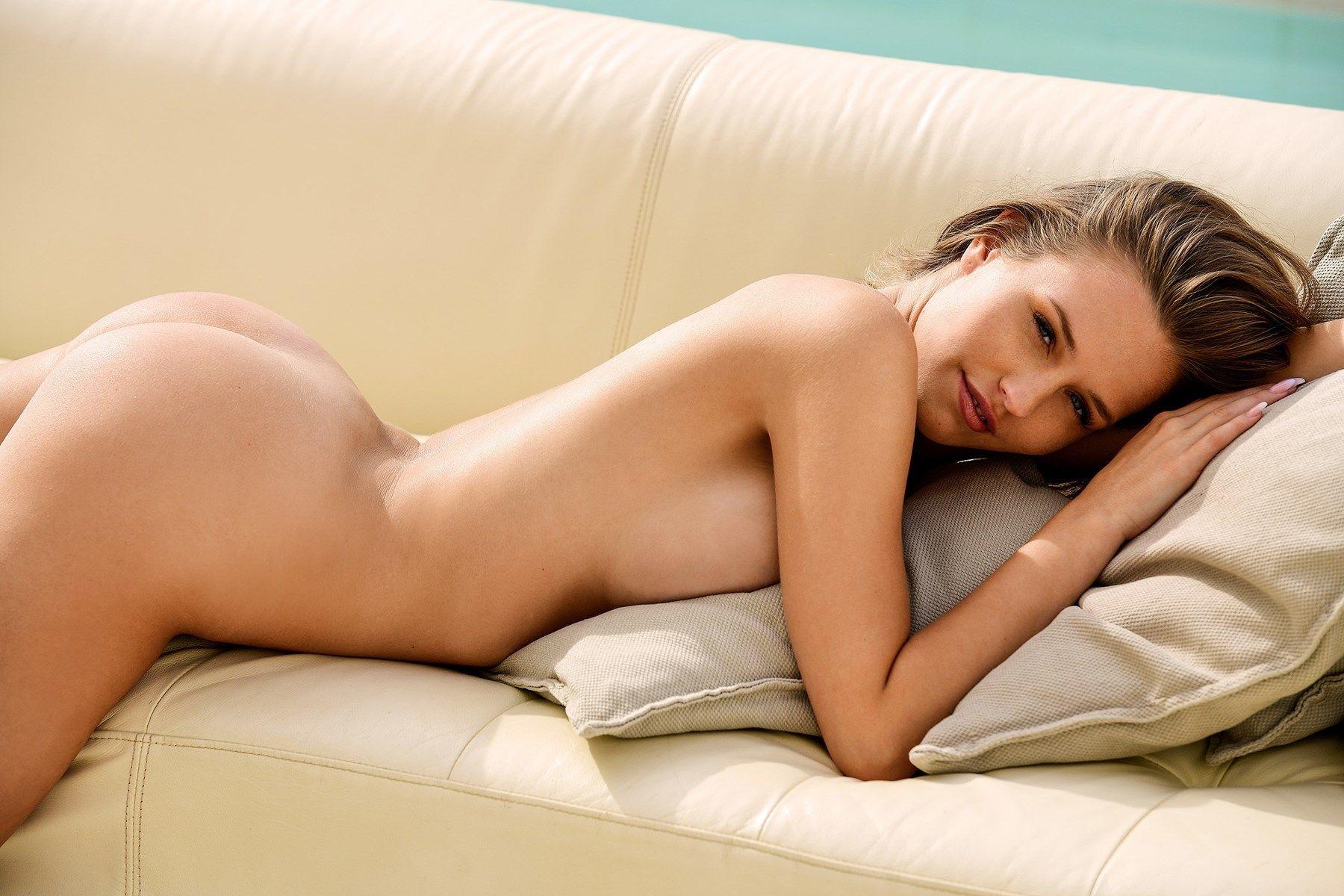 laura muller nude 014