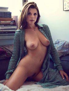 julia fox nude 004