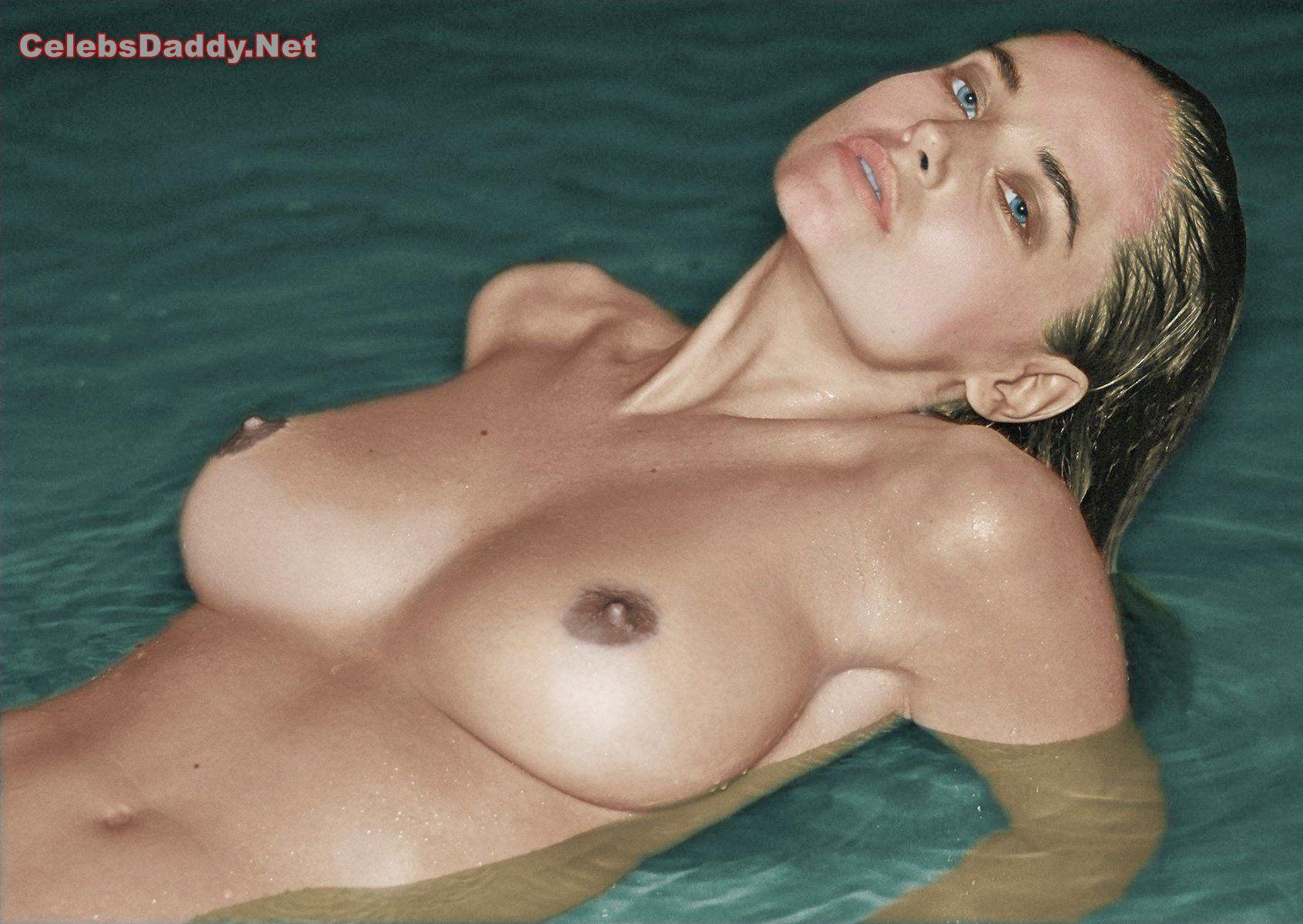 genevieve morton nude photos 009