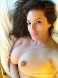 ASHLEY GRAHAM NUDE LEAKED PHOTOS COLLECTION